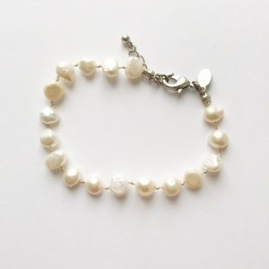 American Eagle Outfitters GENUINE Pearl Bracelet